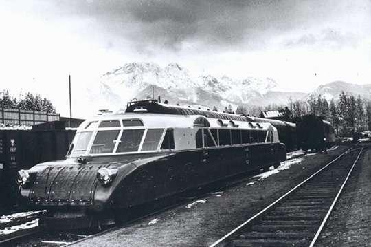 В 1930-х годах между Западной Украиной и Польшей курсировал скоростной поезд. Фото и видео