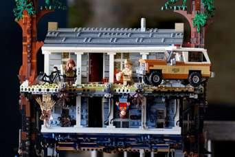 """Lego воссоздало оба мира """"Загадочных событий"""""""