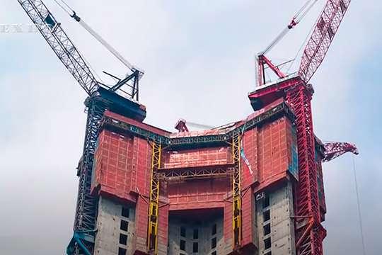 В Китае создали машину для скоростного строительства небоскребов. Видео