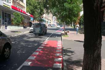 В Киеве проложили еще 1,5 км велополосы