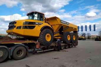 В Донецкую область отправили новый самосвал Volvo