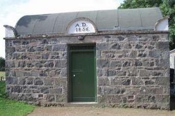 Курьезы: в Англии есть самая маленькая тюрьма в мире на двух человек. Фото