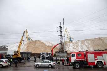 В Киеве демонтировали 300 опасных объектов